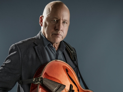 Picture of Mark Knopfler