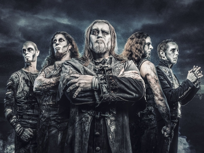 Bild av Powerwolf + Gloryhammer